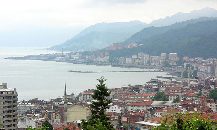 Gov't does not deem environmental report necessary for sea-filling project in Rize, known for landslides