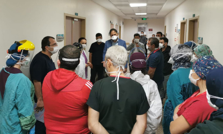 Ankara health workers barricade ER door against violent patient family