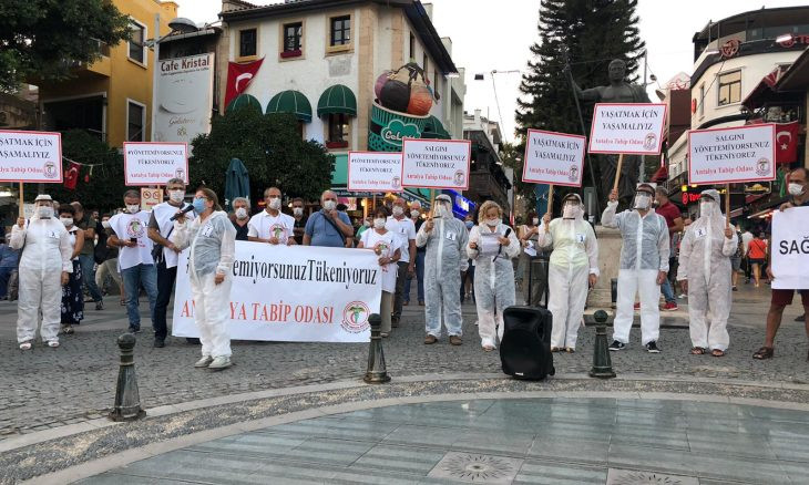 Medical chambers stand by Turkish Medical Association amid attacks from gov't