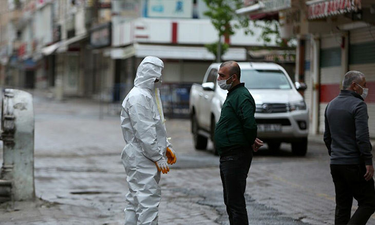 COVID-19 patients violating self-isolation to face manslaughter charges in Diyarbakır: Governor