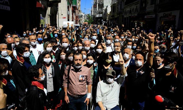 Erdoğan signals regulation to disbar lawyers accused of 'terrorism links'