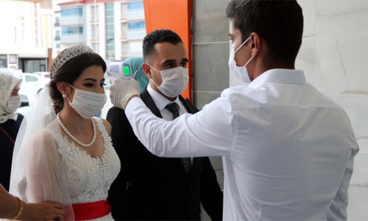 Street weddings, large gatherings banned in all Turkish provinces