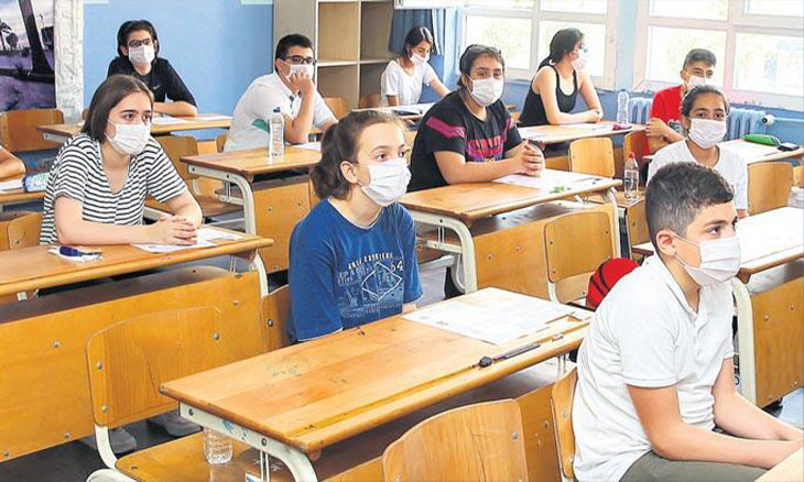 Turkish union reveals 172 schools where COVID-19 detected ahead of school opening