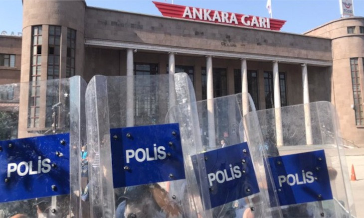 Police prevent Ankara bombing victims' families from holding peace gathering