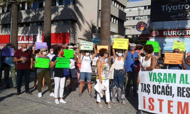 Locals, activists protest 'illegal' wind energy plant in Aegean İzmir