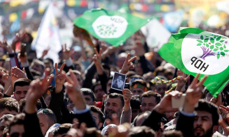 Turkish gov't 'wants to render HDP ineffective instead of closing it down due to political costs'