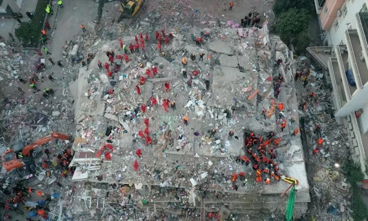 Rescue workers continue searching for survivors after strong earthquake in İzmir