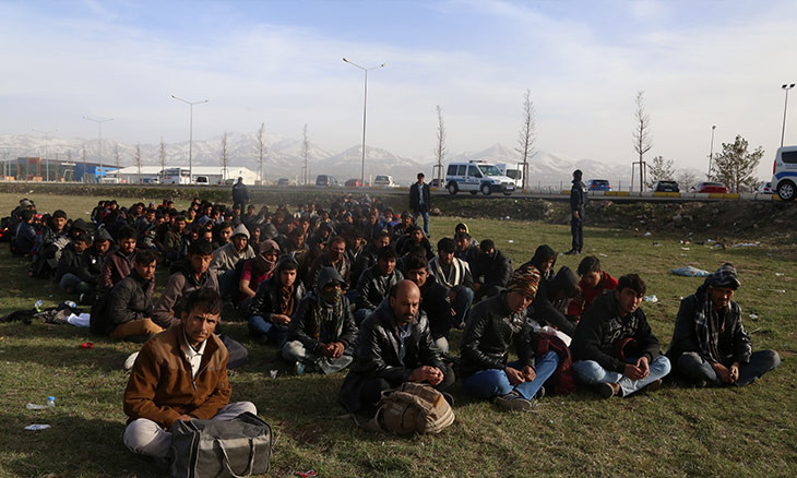 Turkey's Afghan refugees scammed by countrymen in homebound bank transfers