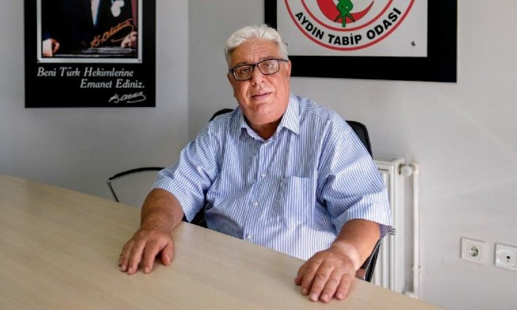 Medical chamber head of western Turkish province dies of COVID-19
