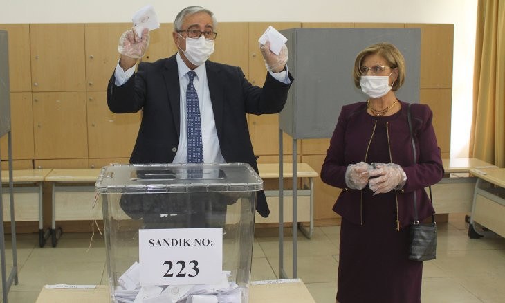 Turkish Cyprus president to face prime minister in runoff