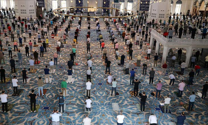 Turkey's top religious authority uses Friday sermon to ask for donations despite massive budget