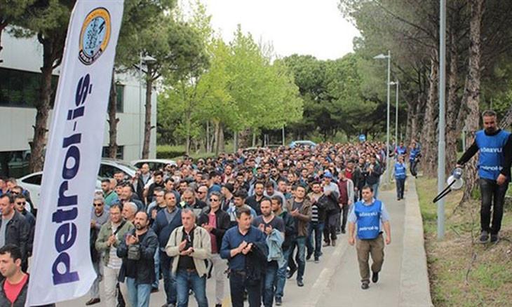 Erdoğan decree bans workers' strike citing national security