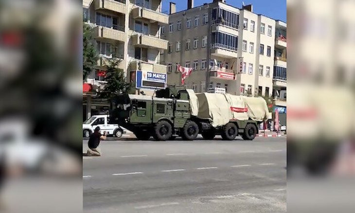 Turkey sends S-400 missile defense systems to Black Sea province for testing