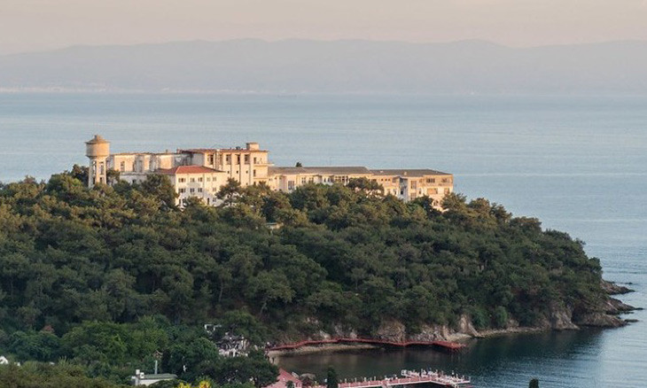 Leading Istanbul chambers appeal against transfer of historic sanatorium to top religious body