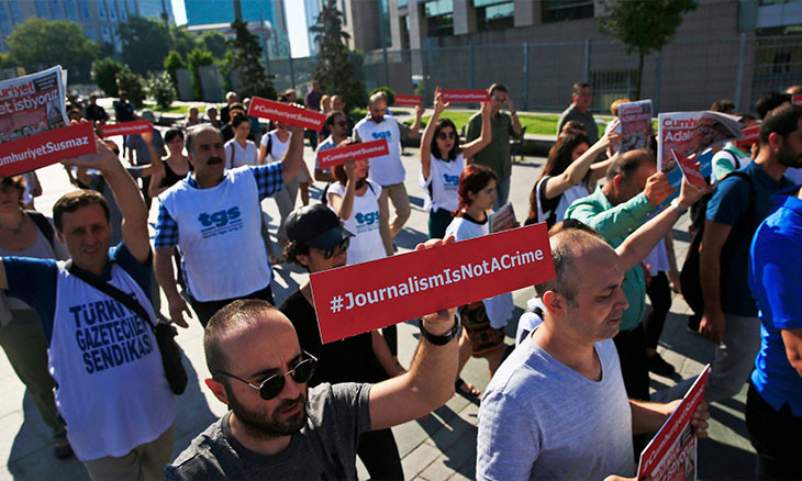 Turkey detained dozens of journalists, blocked access to hundreds of news in 2020