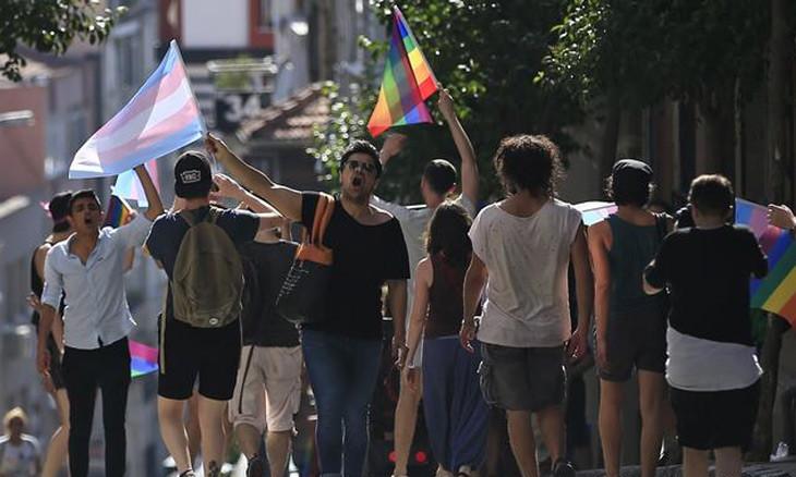 Suicide of trans woman sheds light on plight of Turkey's trans community