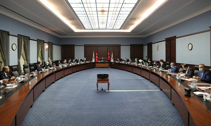 AKP expects cabinet reshuffle following Albayrak's resignation, opposition eyes elections