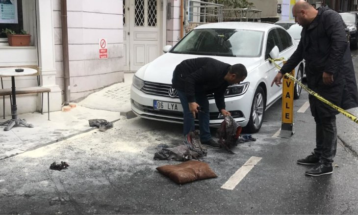 Two workers injured in explosion caused by underground electric cables in Istanbul's Beşiktaş